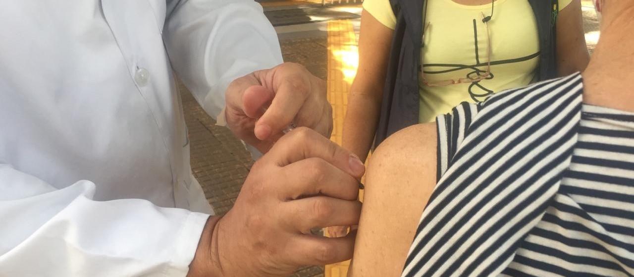 Ao menos quatro pontos já não têm vacina contra gripe em Maringá