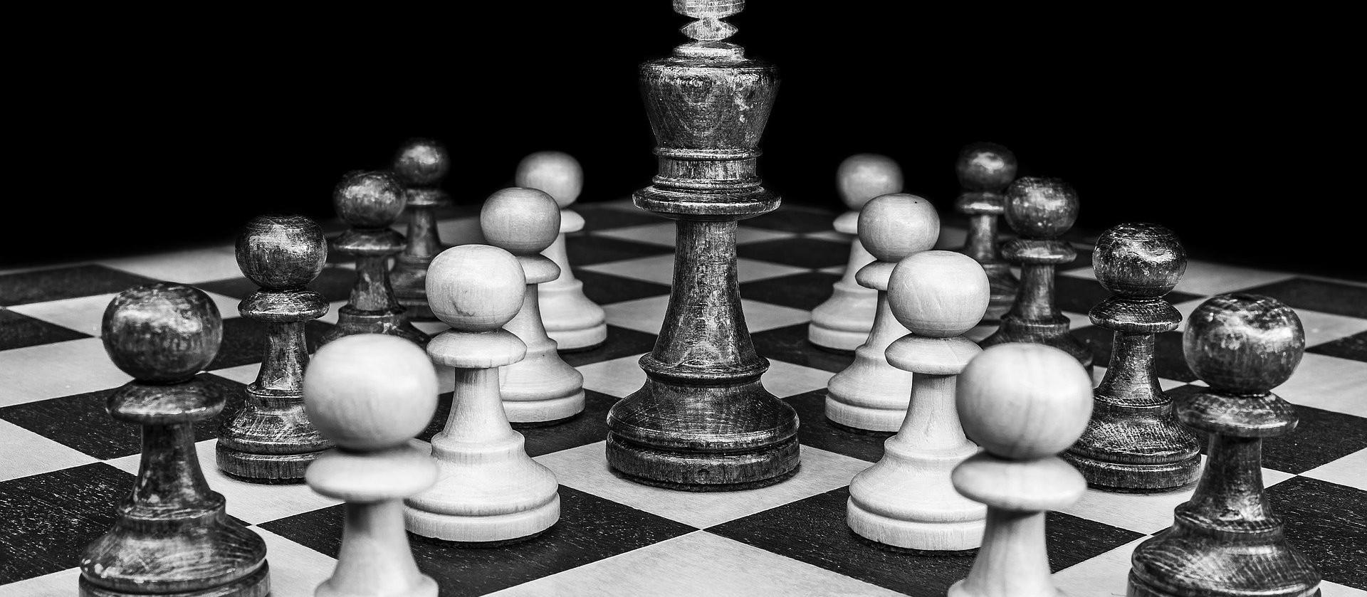 Mudança de secretários é jogo político e não técnico