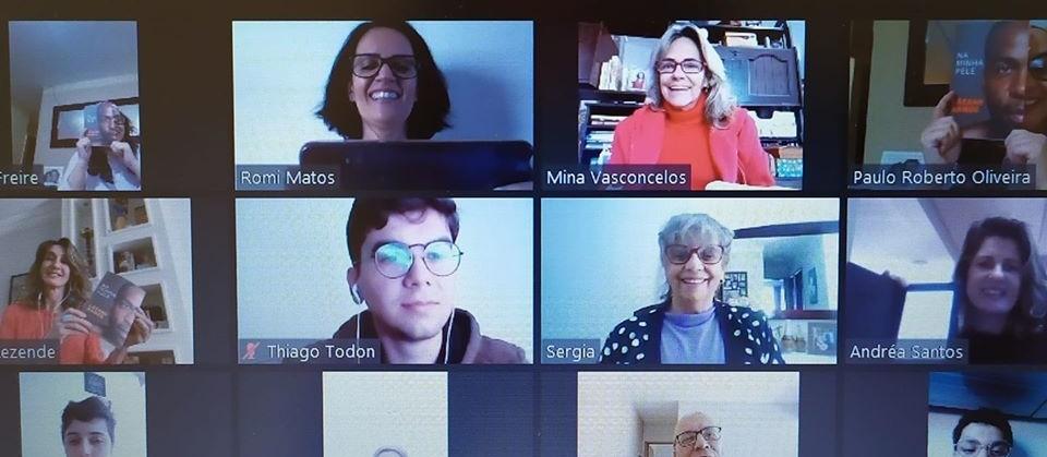 Clubes de leitura de Maringá se adaptam às discussões online