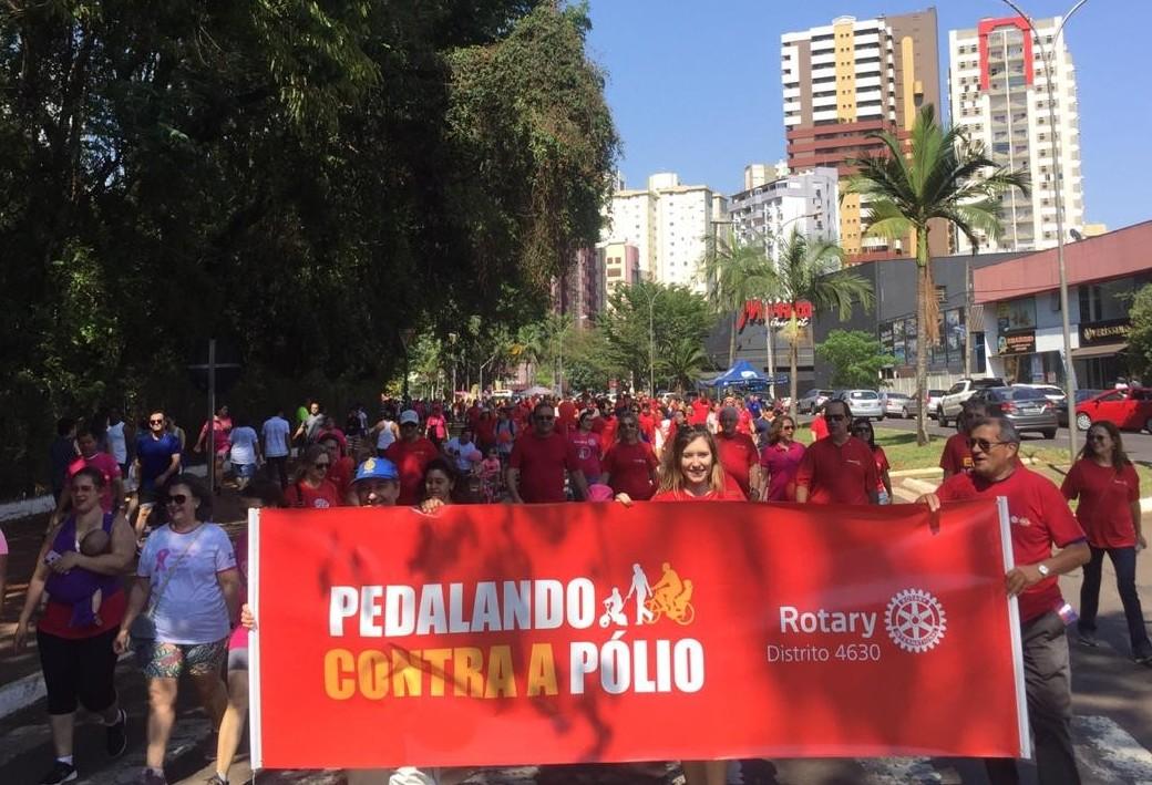 Rotarianos fazem pedalada de incentivo a vacinação infantil