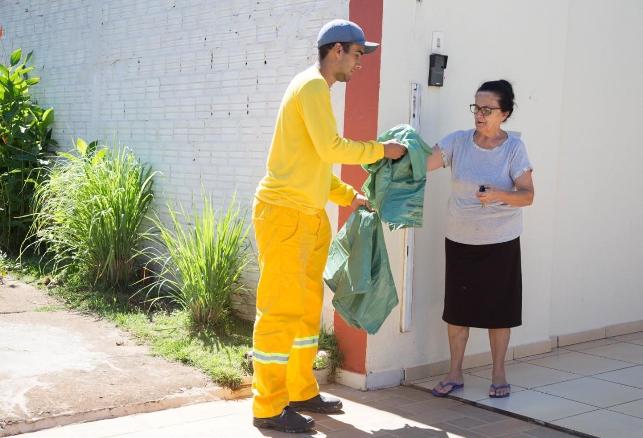 População ainda pede sacos verdes à Prefeitura