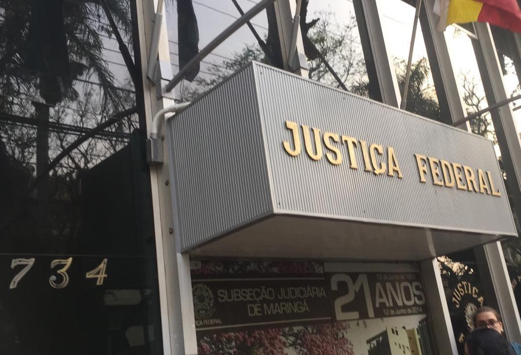 Começaram os depoimentos de testemunhas em júri popular