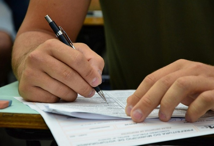 Mais de 1,7 mil vestibulandos faltaram no primeiro dia de prova
