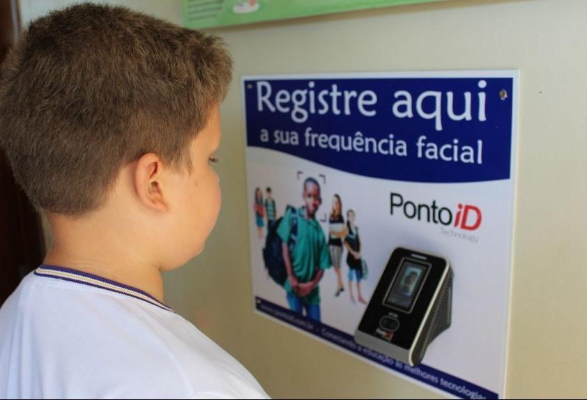 Sistema registra entrada de alunos por reconhecimento facial