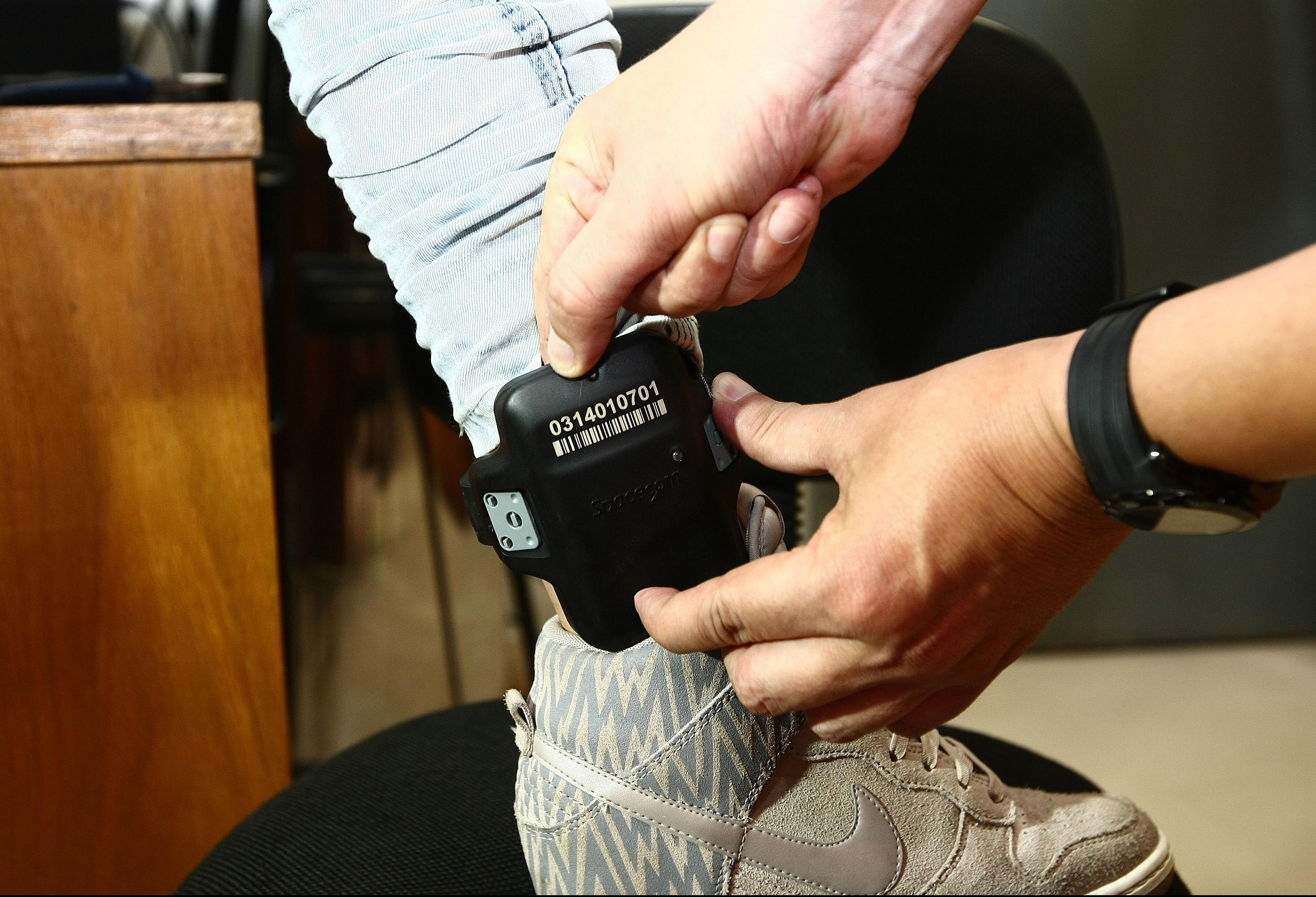 Forças de segurança querem fiscalizar tornozeleiras eletrônicas