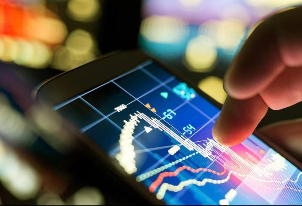 Tecnologia ajuda jovens a investir mais na economia