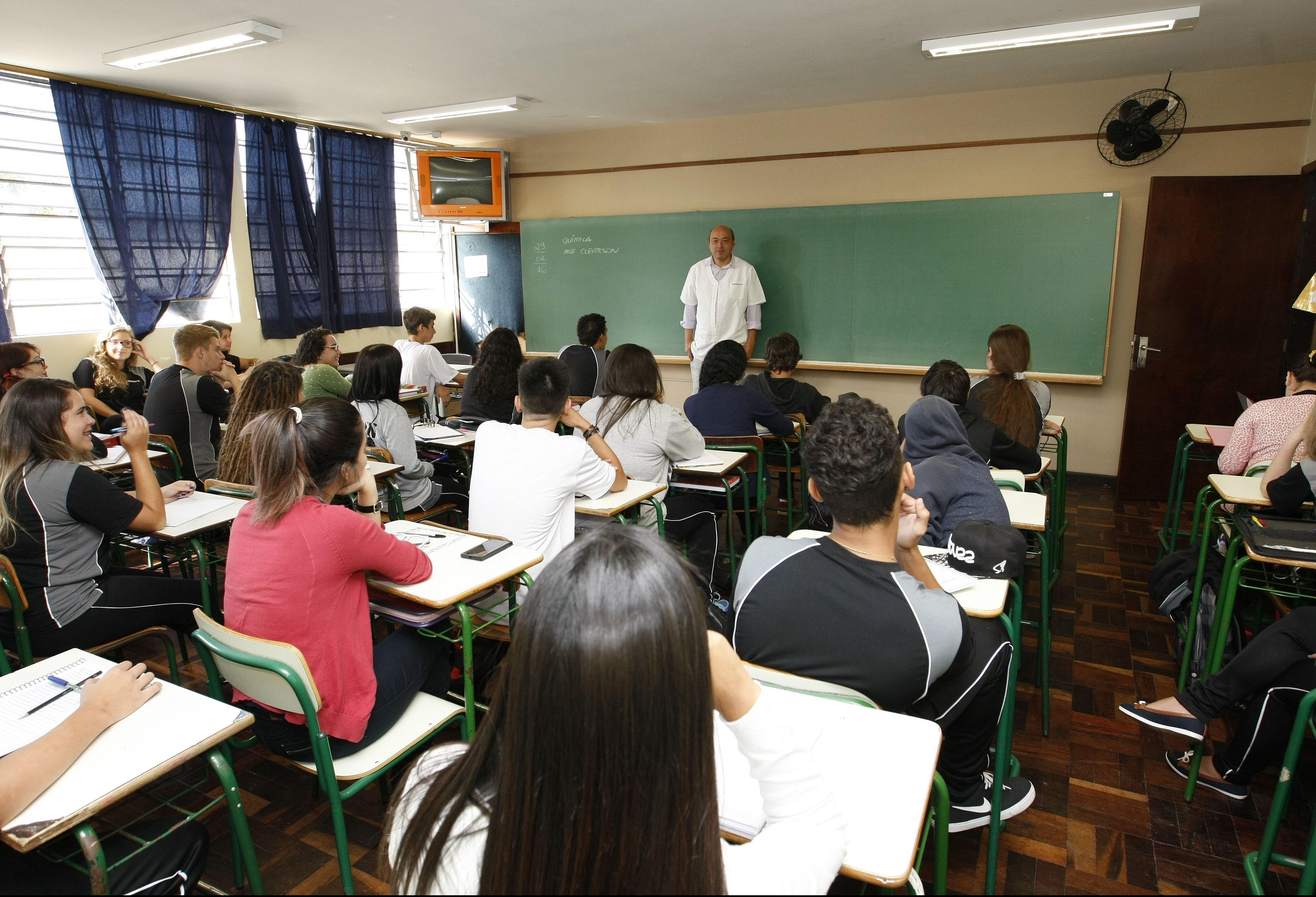 Começa a distribuição de aulas na rede estadual de ensino