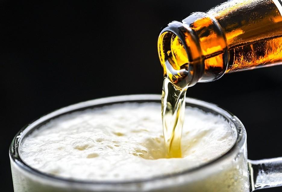 Brasileiro gasta em média 14% do salário em cerveja
