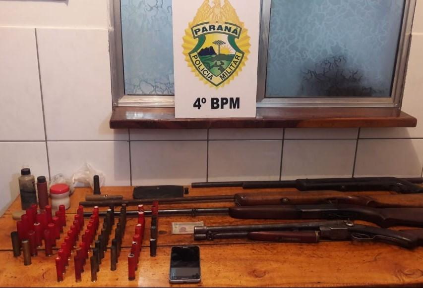 Com tatu na geladeira, homem é preso por posse irregular de arma de fogo e caça ilegal