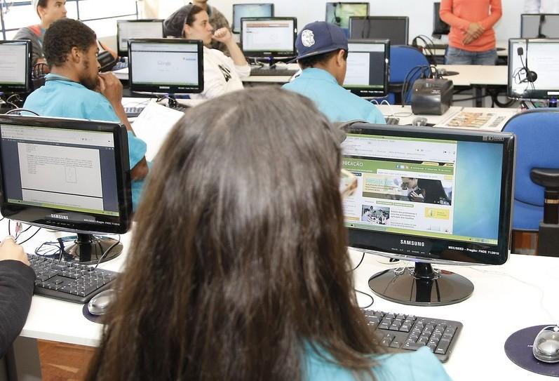 Inscrições para cursos técnicos gratuitos vão até dia 28