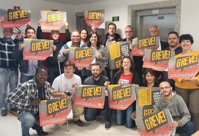 Após o não do Governo, sindicatos mobilizam para greve no Paraná