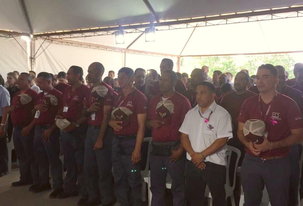Venezuelanos concluem treinamento para trabalhar em empresa de transporte