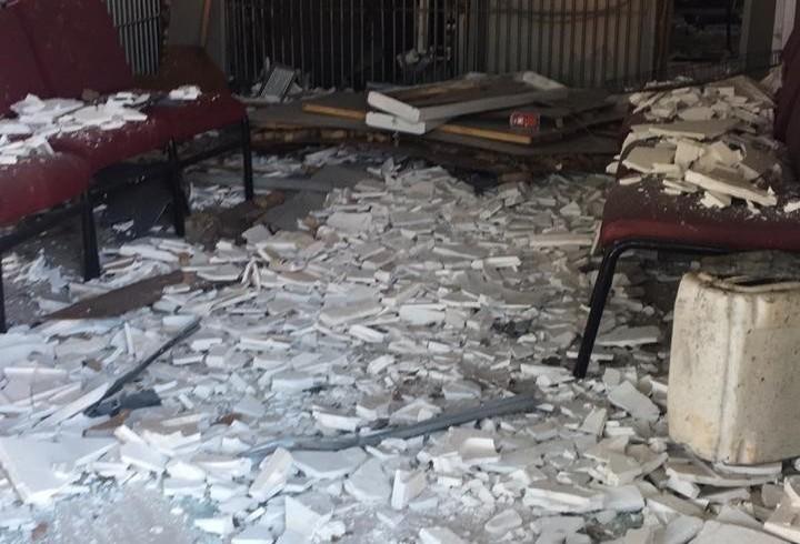 Ladrões explodem agência bancária
