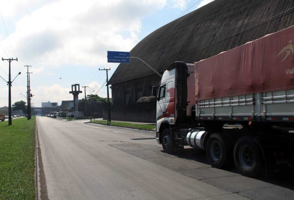 Incerteza sobre tabelamento do frete rodoviário leva empresas adotarem 'plano B'
