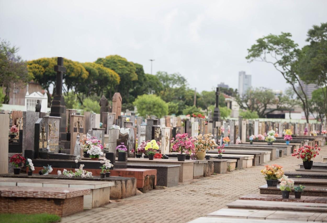 Túmulos do cemitério municipal devem ser reformados até o dia 29