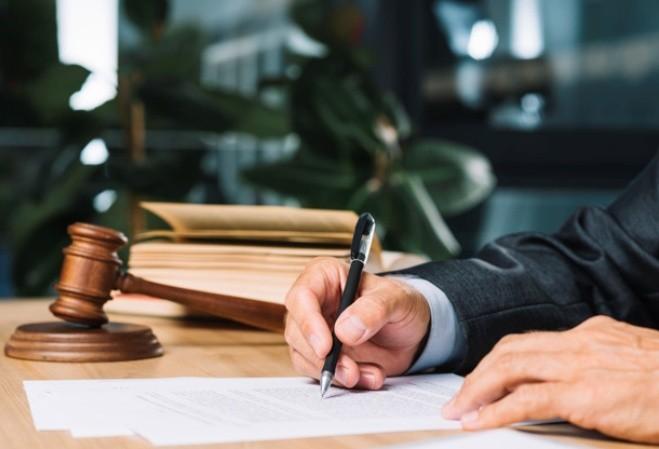 UEM realiza teste seletivo para contratar advogados