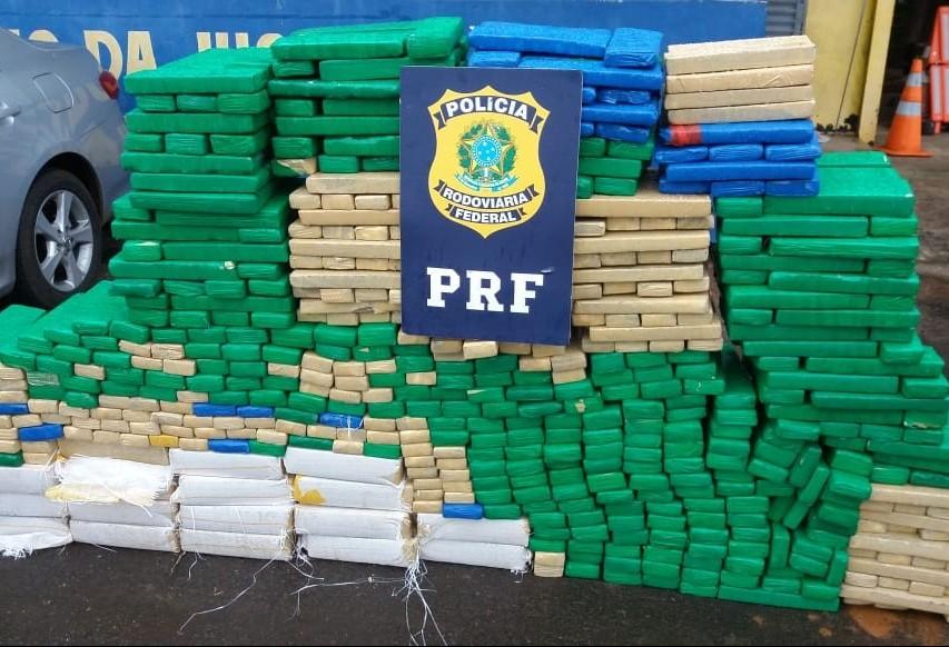 PRF apreende 784 quilos de maconha na BR-487