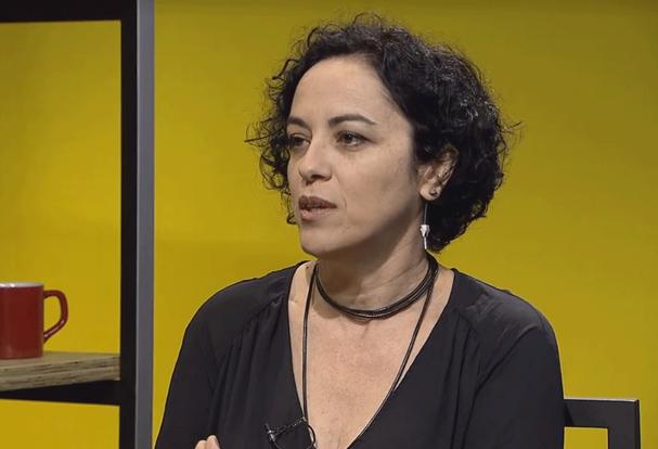 Escritora diz ter decidido deixar o Brasil após evento em Maringá