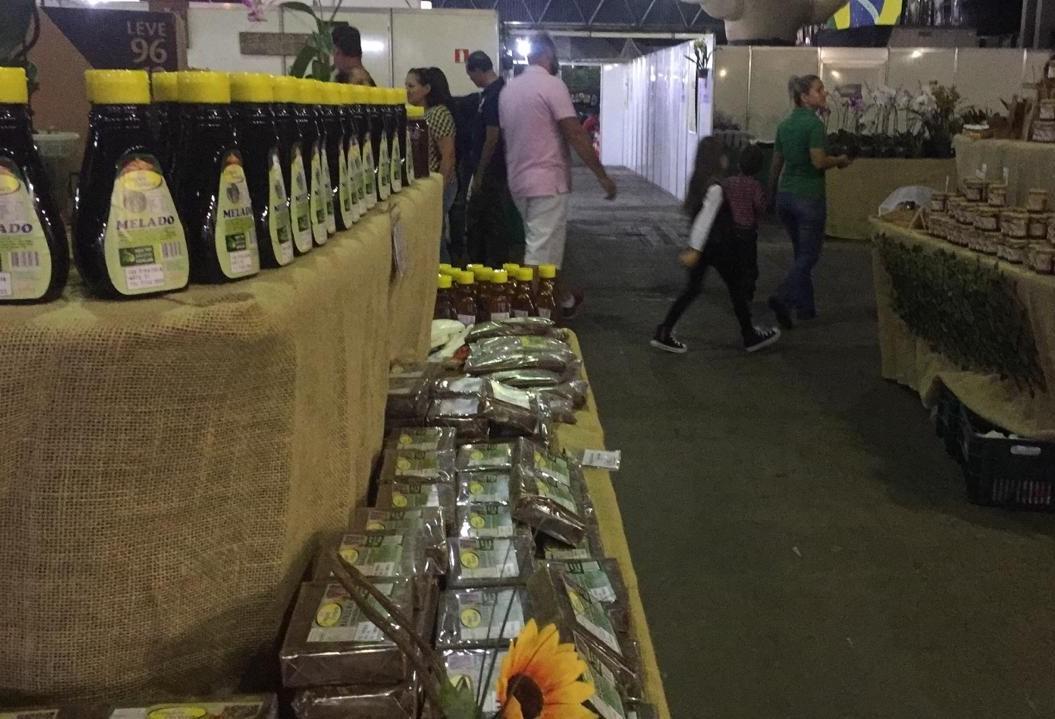 Feira da agroindústria familiar tem variedades de produtos