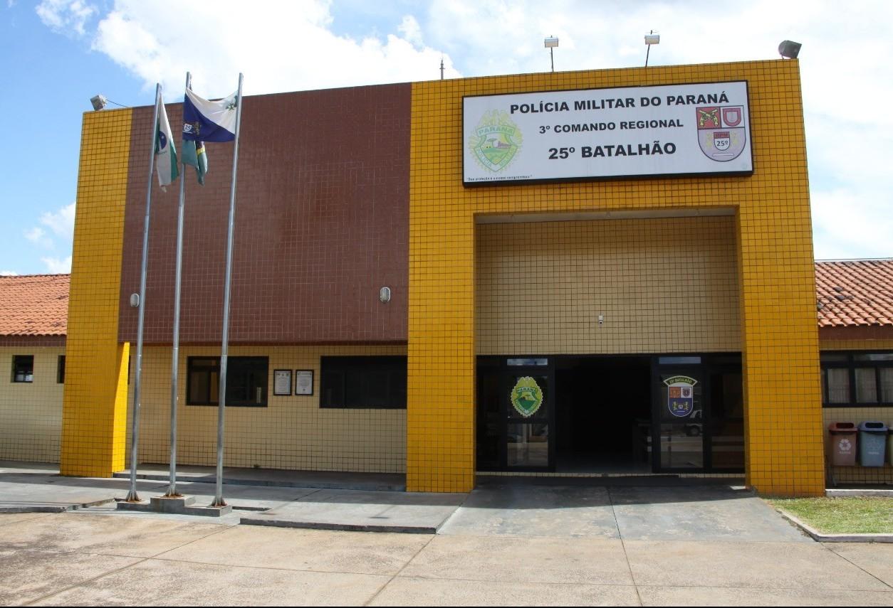 Jovem embriagado quase atropela policiais militares em Umuarama