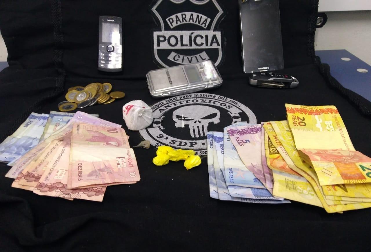 Homem é preso por tráfico de drogas na rua Fernão Dias