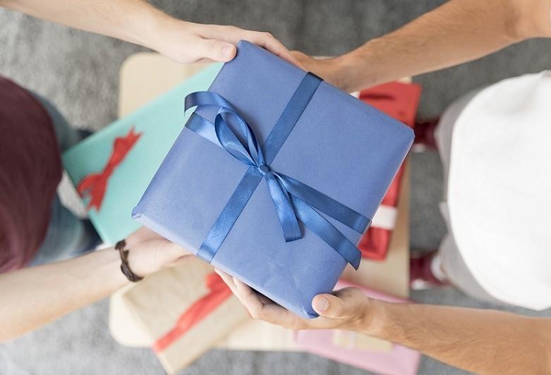 Confira dicas de presentes para amigo secreto