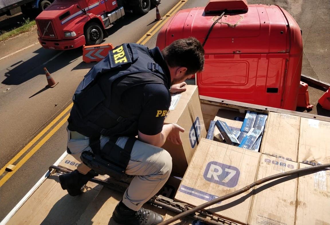 PRF apreende carga de cigarros contrabandeados do Paraguai