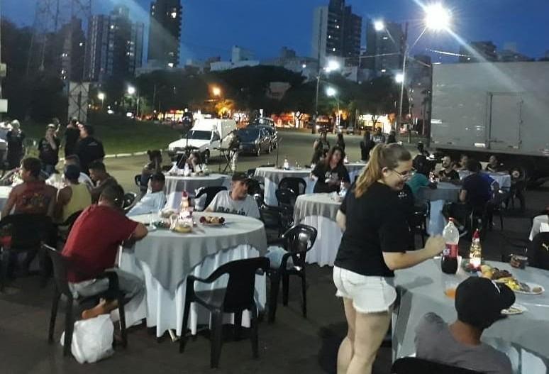 Moradores de rua de Maringá vão ganhar refeição de fim de ano