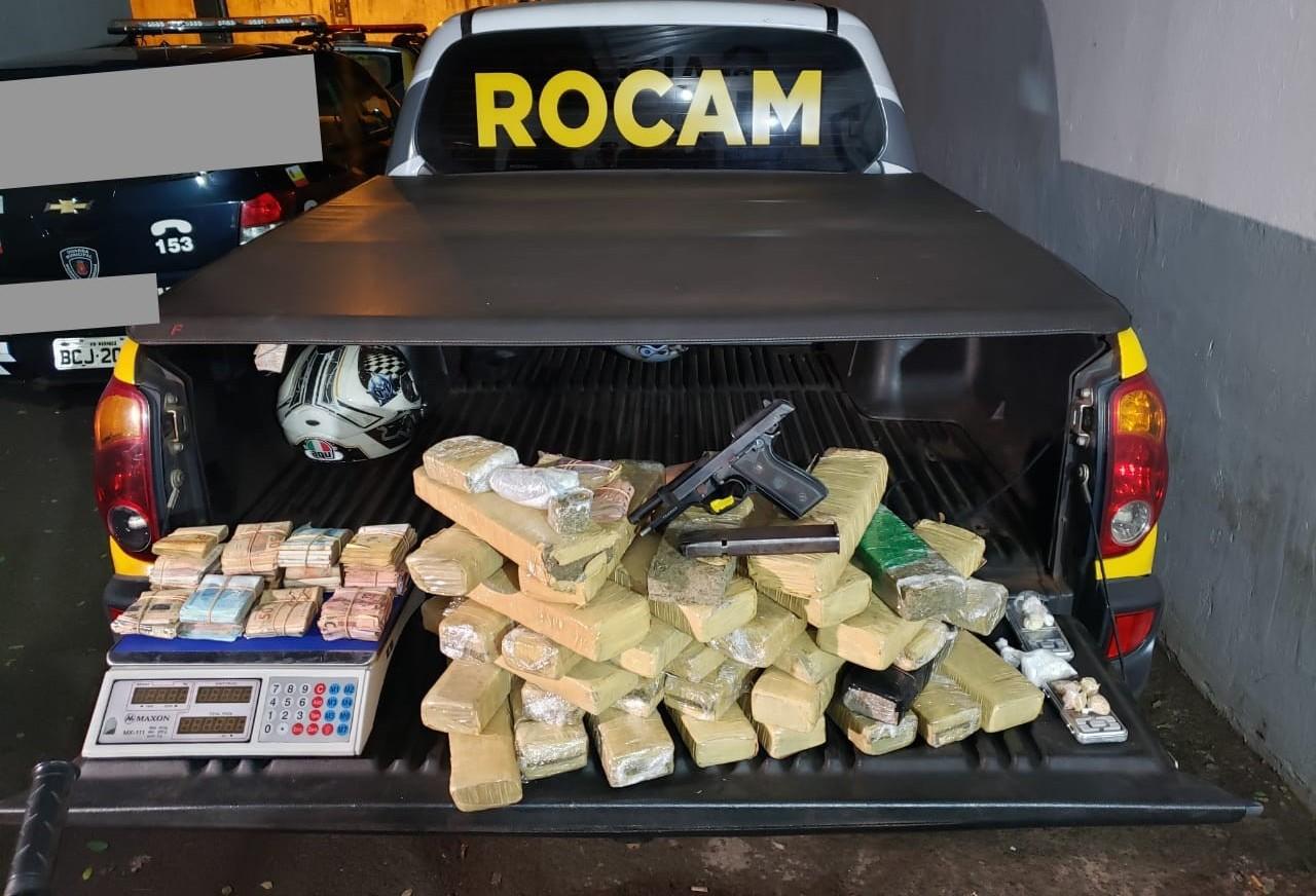 PM prende três por tráfico de drogas, receptação e posse irregular de arma de fogo