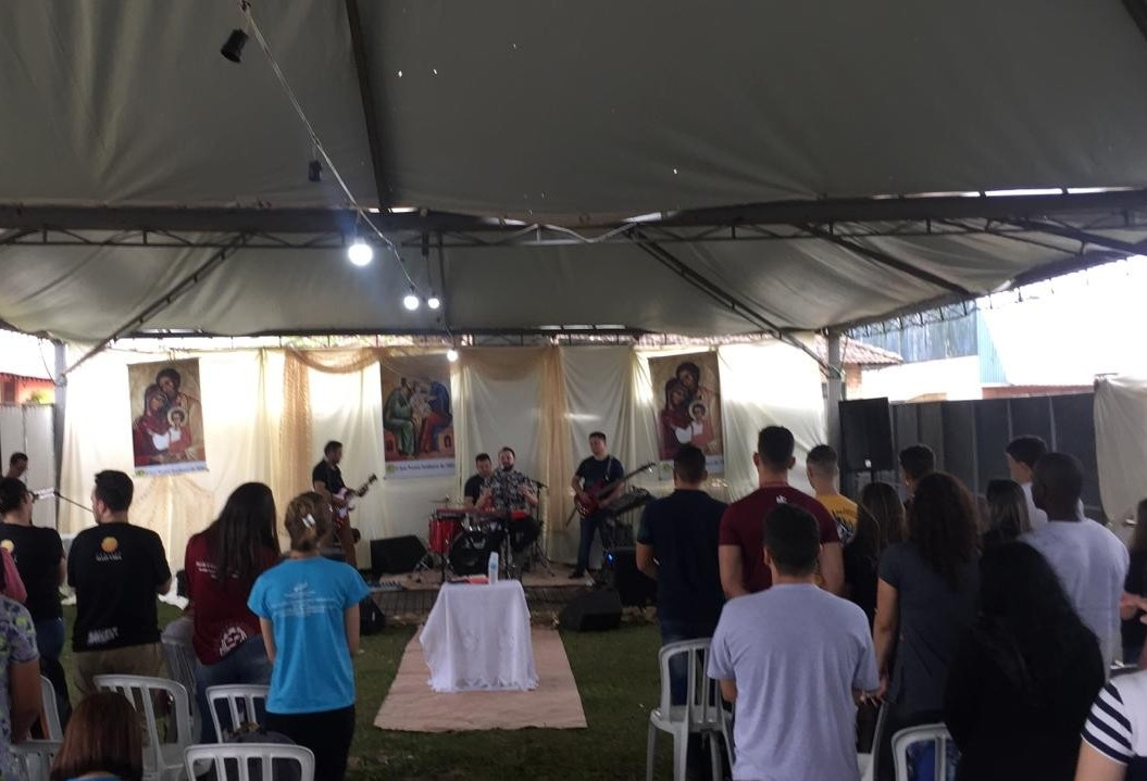 Hallel é o espaço dos jovens católicos