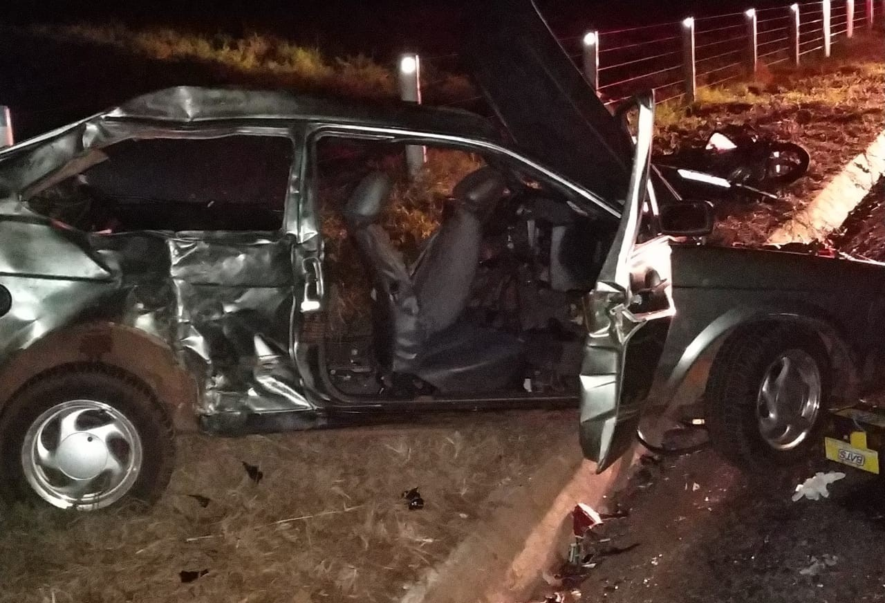 Três pessoas morrem em acidente na PR-082