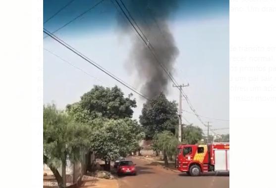 Incêndio em residência mobiliza equipes de socorro