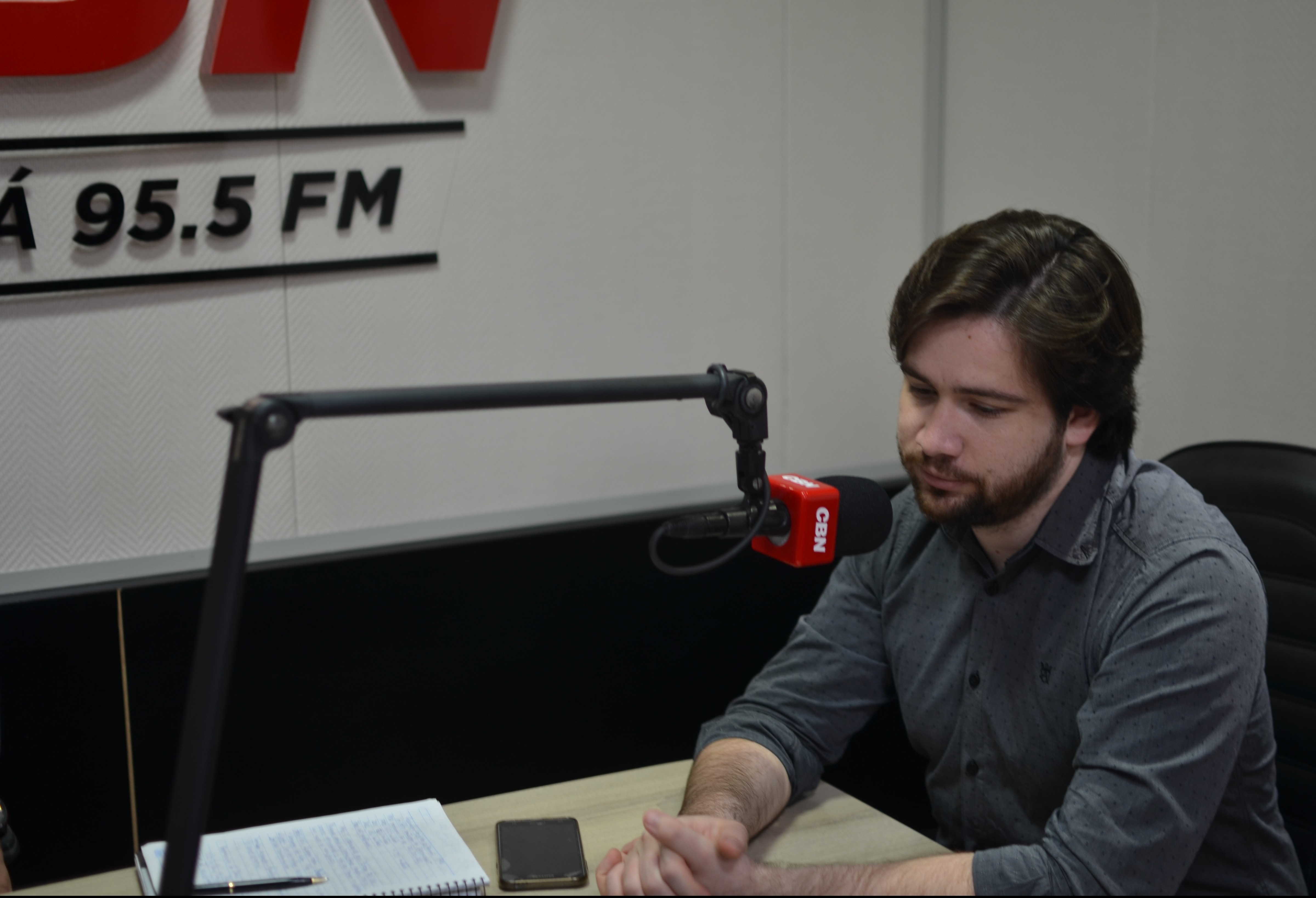 Jovens brasileiros têm futuro ameaçado, segundo pesquisa