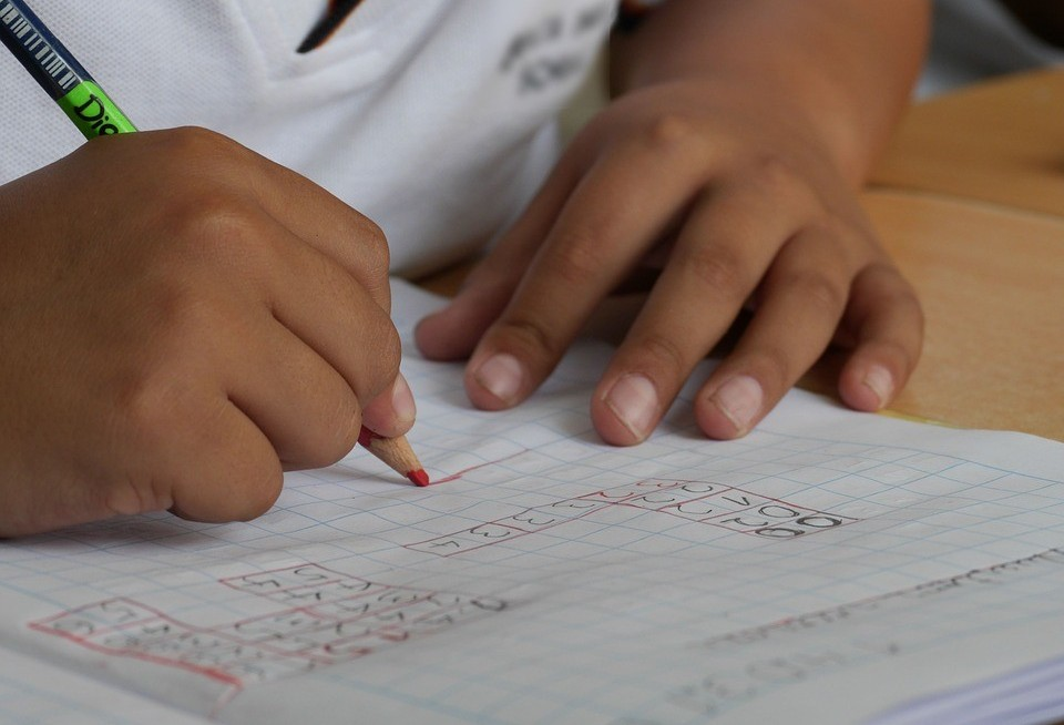 Volta às aulas: pais podem estragar o primeiro dia dos filhos