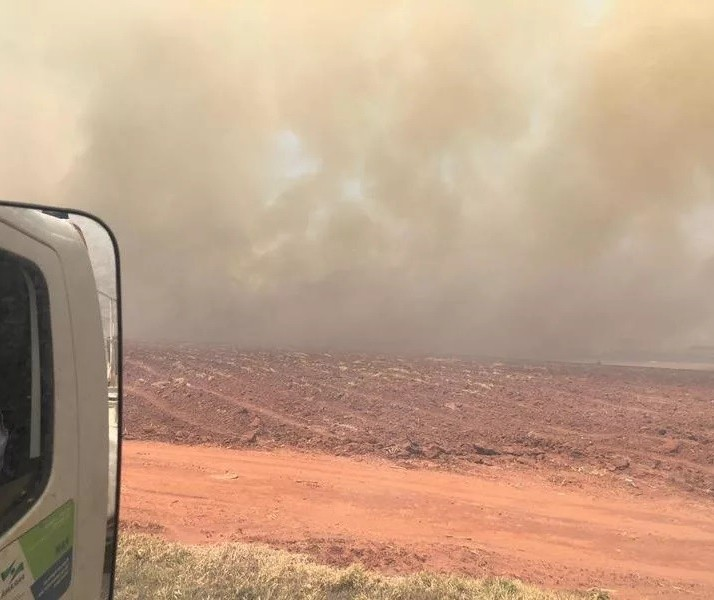 Incêndio de grandes proporções atinge a zona rural de Floraí e Presidente Castelo Branco