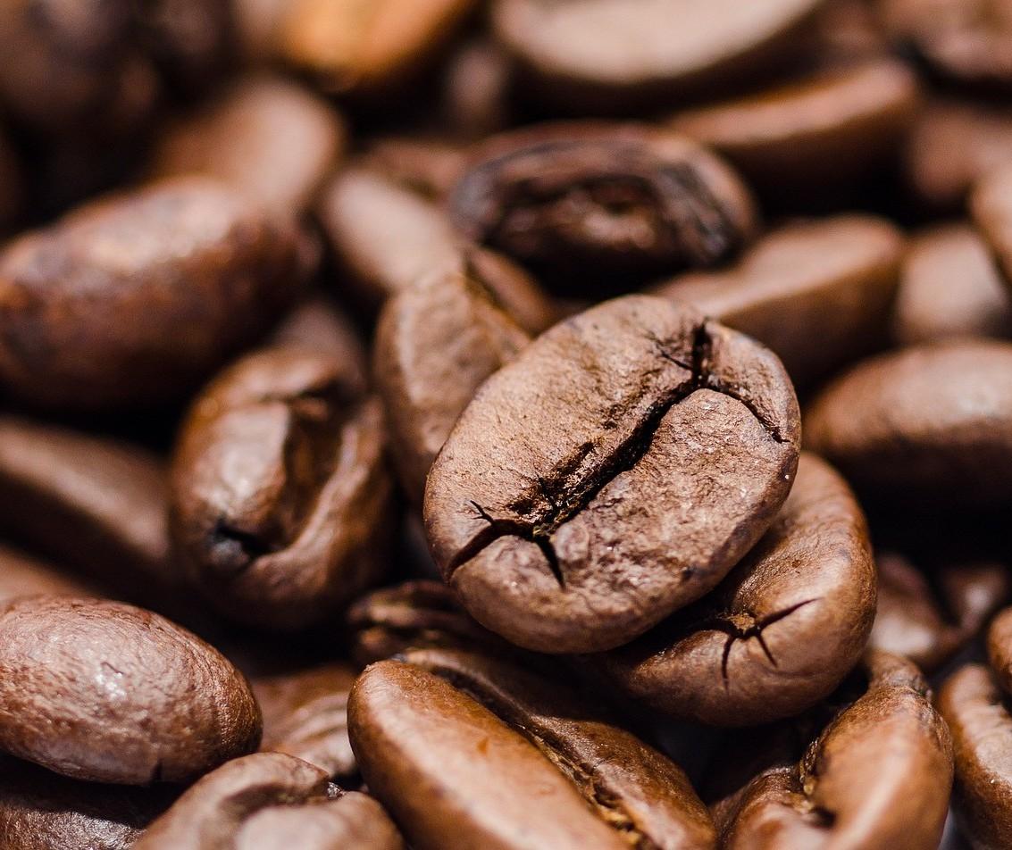 Café em coco custa R$ 7,60 o quilo