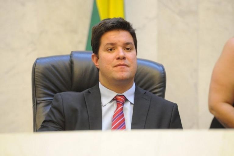 Chefe da Casa Civil fala sobre apoio do Estado ao setor têxtil, em referência ao incêndio que atingiu o Avenida Fashion