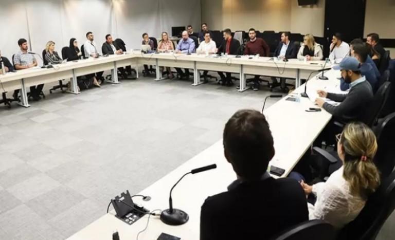 Live debate representatividade da juventude no Paraná