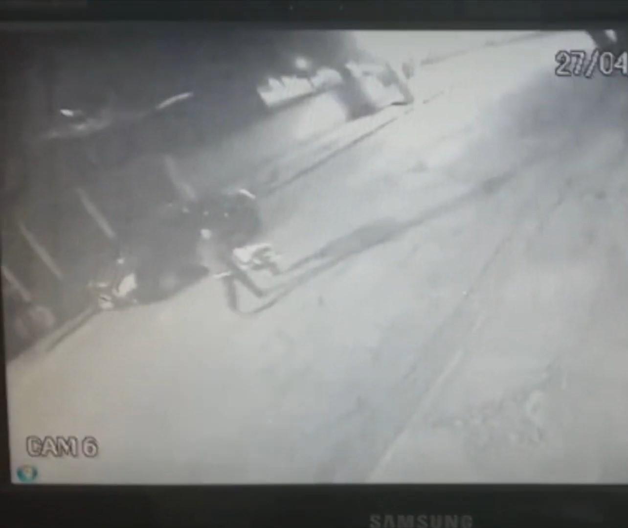 Ladrão usa carriola para furtar chopp de bar em Maringá