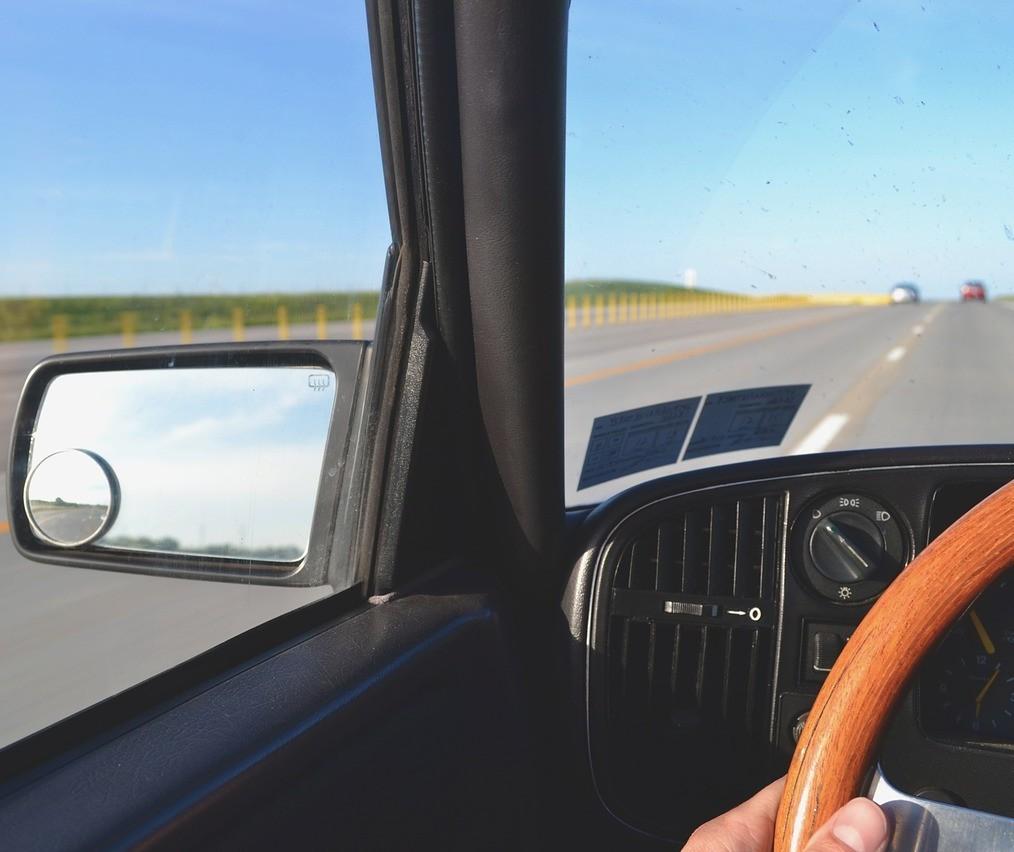 Aproximadamente 40% dos acidentes com profissionais do volante envolvem uso de álcool ou drogas