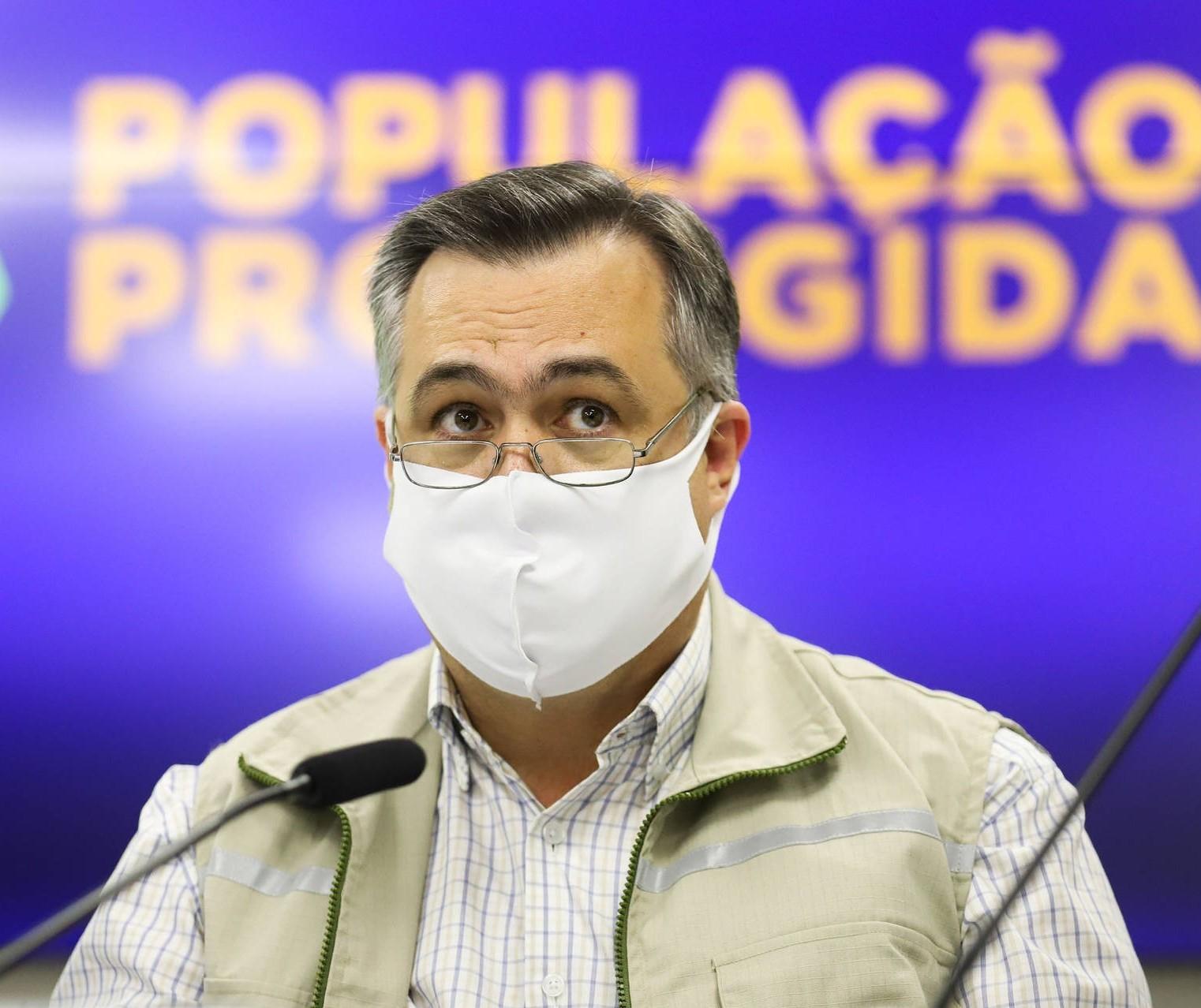 Paraná estuda adotar passaporte da vacina