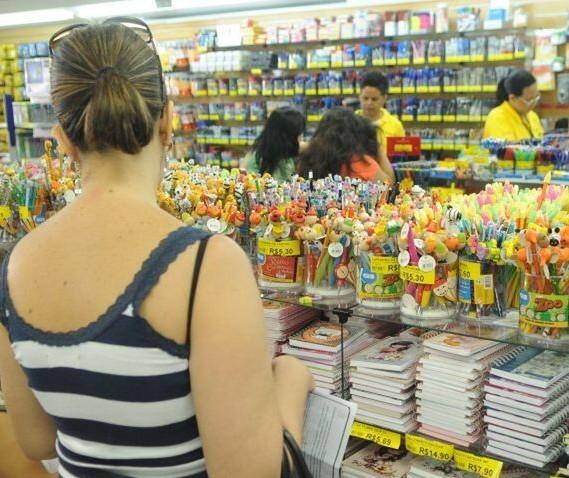 Vendas de material escolar caem quase 70% em janeiro em Maringá