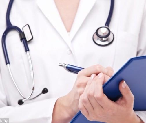 Brasileiros que cursam medicina no Paraguai estão apreensivos com suspensão de aulas
