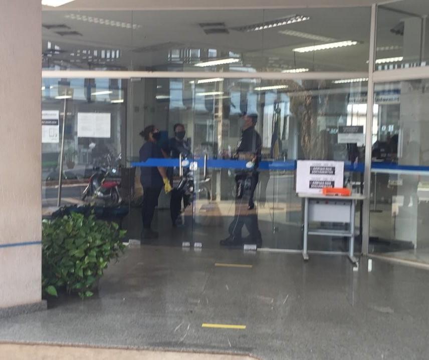 Agência do INSS em Maringá não registra movimento nesta terça-feira (15)