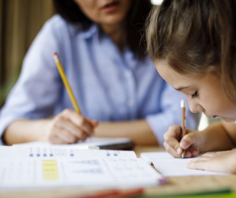 Planejamento é a melhor estratégia para lidar com os filhos estudando em casa
