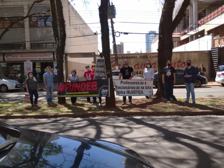APP Sindicato realiza ato em Maringá para lembrar o 30 de agosto