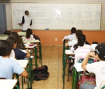 Sem data de retorno, educação deve ter aulas aos sábados em Maringá