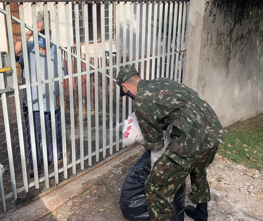 Provopar e Tiro de Guerra vão às ruas para arrecadar doações para a Campanha do Agasalho
