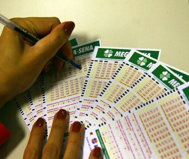 Aposta feita em lotérica de Maringá acerta a quina da Mega-Sena
