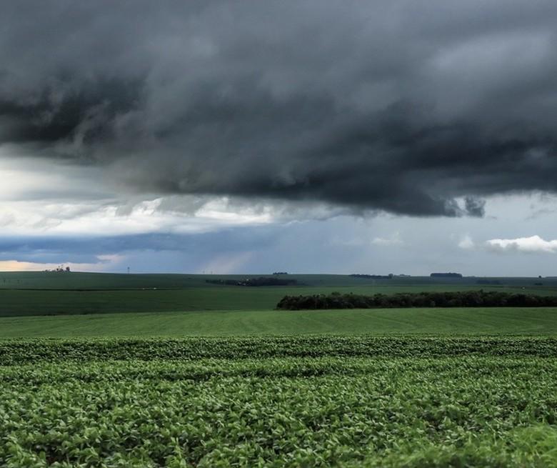 Outubro começa chuvoso nas diversas regiões do Paraná